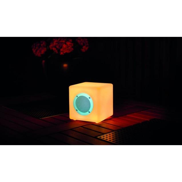 Kerti LED lámpa színváltós kocka alakú zenélő 15